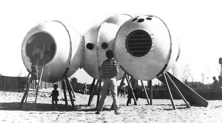 """Group Ludic, Hérouville Saint-Clair, 1968. Aus der Ausstellung """"The Playground Project"""", Kunsthalle Zürich 2016"""